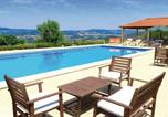 Location vacances Penafiel - One-Bedroom Holiday home P-4550-360 Castelo de Paiva with a Fireplace 07-2