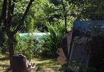 Camping en Bord de rivière Najac - Camping l'Eau Vive-2