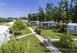 Camping avec Piscine couverte / chauffée Loches - Yelloh! Village - Parc Du Val De Loire-2