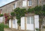 Location vacances La Chapelle-Hermier - Holiday Home Le Vieux Logis-2