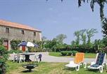 Location vacances Aizenay - Holiday Home Le Manoir-2
