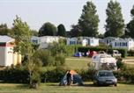 Camping avec Ambiance club Graye-sur-Mer - Airotel Camping l'Aiguille Creuse-1