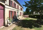 Location vacances Chaniers - La Charentaise Des Lilas-1