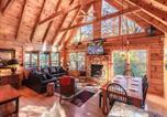 Location vacances Gatlinburg - Lazy Bear Lodge - Three Bedroom Home-1