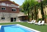 Location vacances Canyelles - Holiday home Carrer de L'Estrella-1