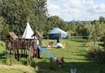 Camping avec Hébergements insolites Saint-Georges-de-la-Rivière - Camping Au Bonheur Nomade-1