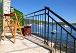 Location vacances Vis - Apartment By The Sea-1