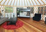 Camping  Acceptant les animaux Canada - Yurts at Wya Point Resort-3