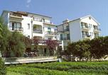 Location vacances Pietra Ligure - One-Bedroom Apartment Il Borgo Degli Ulivi 2-2