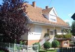 Location vacances Balatonszárszó - Six-Bedroom Holiday home in Balatonszarszo I-4