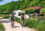 Location vacances Abelcourt - Le Domaine Du Pre Vert-1