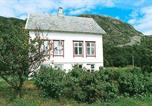 Location vacances Molde - Four-Bedroom Holiday home in Midsund-4