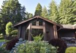 Location vacances Arcata - Upscale Exclusive - Three Bedroom Holiday Home-1