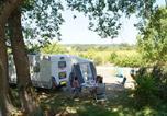 Camping 4 étoiles Sainte-Colombe-de-Villeneuve - Castel Le Camp de Florence-1