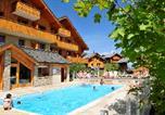 Location vacances Saint-Etienne-de-Cuines - Residence Les Chalets Goelia