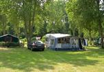 Camping avec Spa & balnéo Surtainville - Flower Camping Longchamp-2