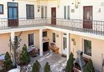 Location vacances  Roumanie - Charming Flat in the Historic City-2