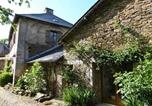 Location vacances La Chapelle-aux-Brocs - Holiday home Le Chazal-1