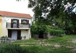 Location vacances Omišalj - Holiday Home Green Garden-1