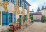Location vacances Sauveterre-de-Béarn - Three-Bedroom Holiday Home in Escos-2