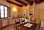 Location vacances Vallo di Nera - Two-Bedroom Apartment in Scheggino I-4