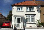 Location vacances Hounslow - Comfy Guest House Feltham-1