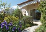 Location vacances Pomérols - Four-Bedroom Holiday Home in Marseillan-1