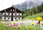 Location vacances Leogang - Holiday home Mauthof 1-2