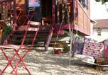Location vacances Montagny-sur-Grosne - La Roulotte du Granit Doré-1