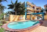 Hôtel Marcoola - Surf Club Apartments-1