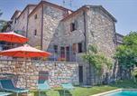 Location vacances Chiusi della Verna - Two-Bedroom Holiday home Chitignano with a Fireplace 02-1