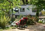 Camping  Acceptant les animaux Nice - Camping Sites et Paysages Les Pinèdes-3