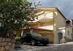 Location vacances Starigrad - One-Bedroom Apartment in Starigrad-Paklenica X-1