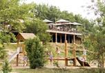 Camping  Acceptant les animaux Saint-Privat-de-Champclos - Village Huttopia Sud-Ardèche-2