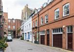 Location vacances Kensington - Beautiful 3 Bed Mews House 2 Mins From High St Ken-2