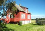 Location vacances Molde - Two-Bedroom Holiday home in Farstad 2-3