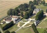 Location vacances Montreuil-aux-Lions - Apartment Chateau La Trousse-2