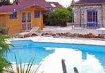 Location vacances Crosmières - Gîte du Domaine de Champrouge-1