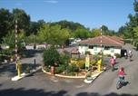 Camping  Acceptant les animaux Messanges - Camping Les Acacias-1