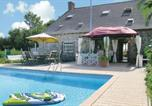 Location vacances Thourie - Holiday home Coesmes 96 with Outdoor Swimmingpool-1