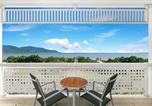 Location vacances Cairns - Cairns Luxury Waterfront Apartment-2