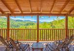 Location vacances Gatlinburg - Destiny's Heaven- Five-Bedroom Cabin-1