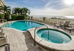 Location vacances Clearwater - Beachfront Palazzo Holiday home-1
