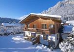 Location vacances Saint-Johann-en-Tyrol - Ferienhaus am Wilden Kaiser-1