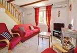 Location vacances Althen-des-Paluds - Two-Bedroom Holiday Home in Monteux-2