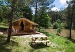 Camping Saint-Laurent-des-Hommes - Domaine Résidentiel de l'Etang de Bazange