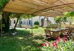 Location vacances Oppède - The charm and character of Luberon's old stone buildings-2