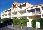 Location vacances  Charente-Maritime - Holiday home Jardins De L'ocean Vi Vaux Sur Mer-3