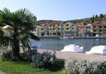 Location vacances Tisno - Apartments Luna-1