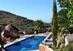 Location vacances Arenas - Los Almendros Rural 2-bedroom apart-2
